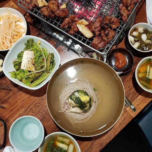 Bongpiyang Pictures - 205-8, Bangi-dong, Songpa-gu, Seoul